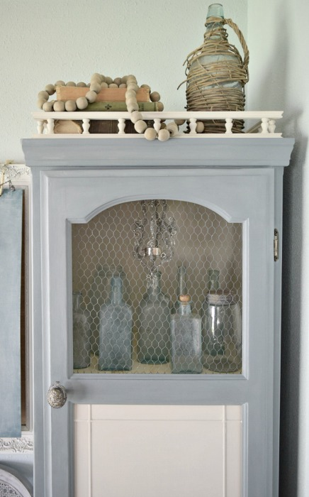 curio cabinet momtique french