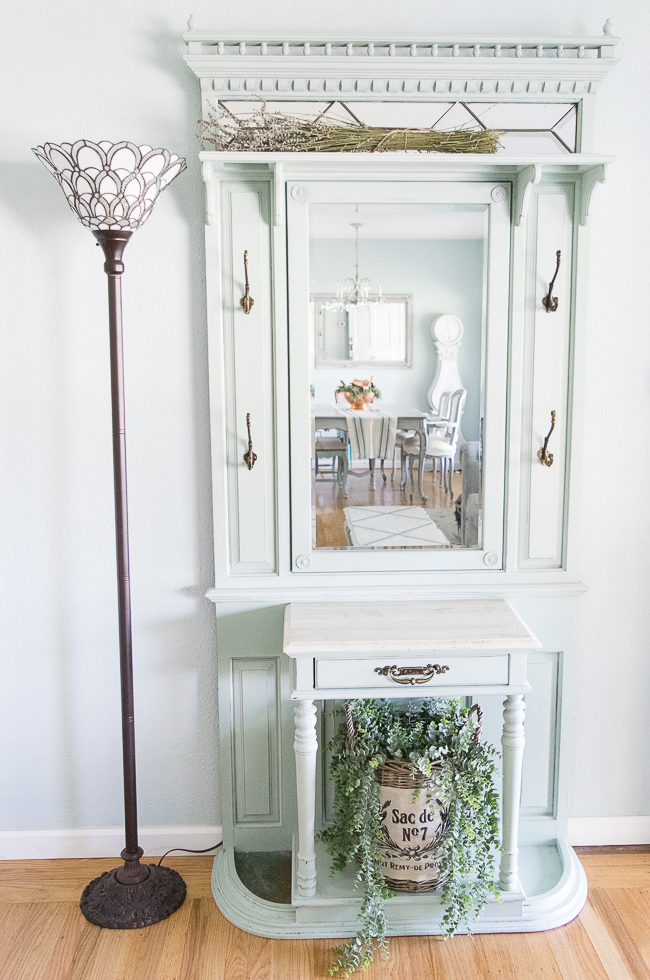 Entryway by Momtique